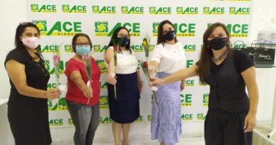 Dias das Mulheres: ACE Diadema distribuiu rosas